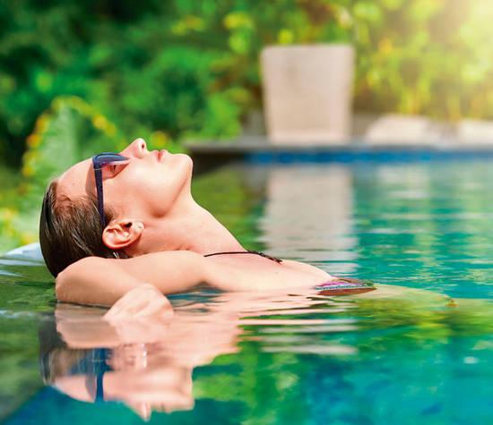 Las propiedades de las aguas de las termas en Pucón las han convertido en elementos curativos y sanadores para muchas personas que sobre todo tienen problemas de la piel o bien respiratorios.